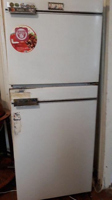 Продам холодильник в Харькове