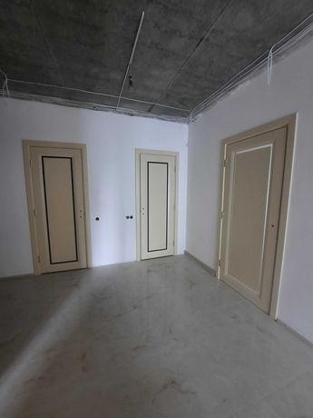 3-кімнатна квартира з частковим ремонтом в новобудові на Яцкова
