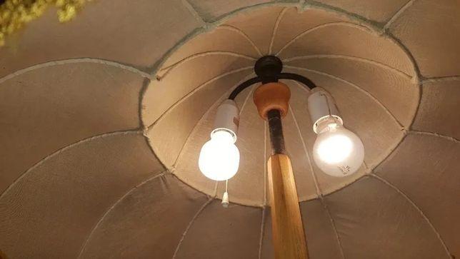 Stara lampa podłogowa drewniana z pięknym abażurem antyk