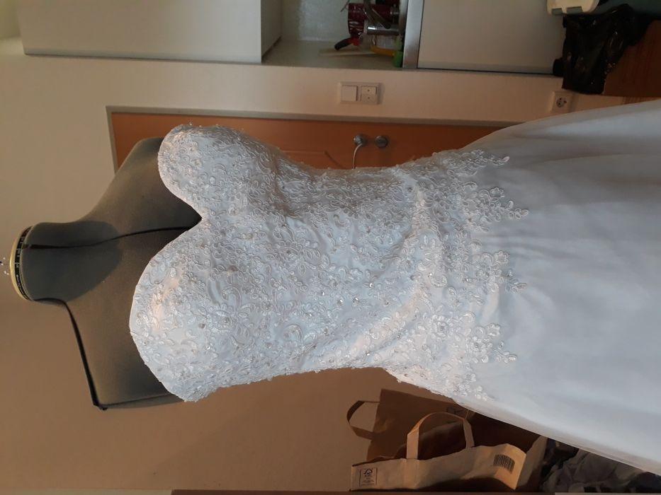 Suknia ślubna 36-42 Węgorzewo - image 1