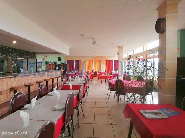 Moradia com restaurante