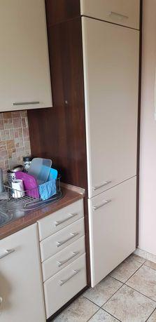 Za darmo - Komplet mebli kuchennych plus AGD oraz szafy przesuwne.