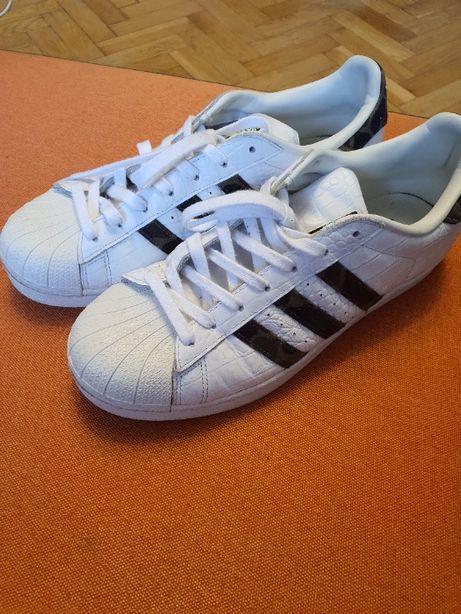 Кроссовки Adidas Superstar US 9.5 (размер 42)