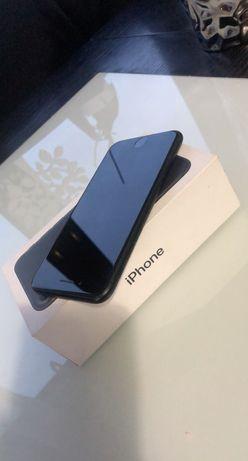 Sprzedam Iphone 7 32 GB.