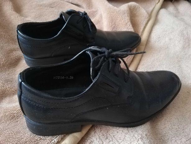 Buty chłopięce komunijne 38