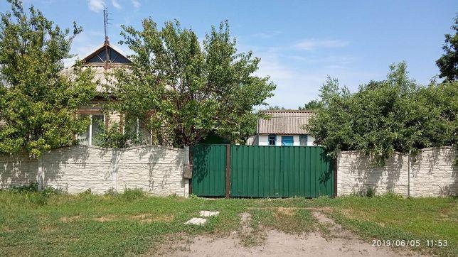 Продам дом в центре села Рояковка