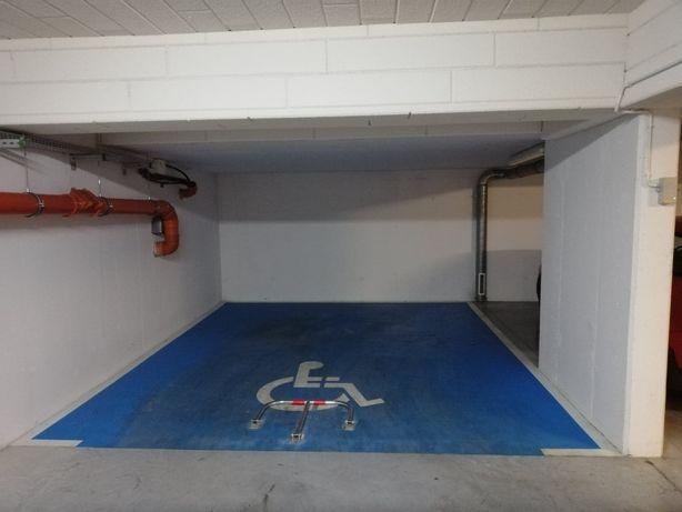 miejsce parkingowe postojowe w garażu podziemnym Radzikowskiego 94