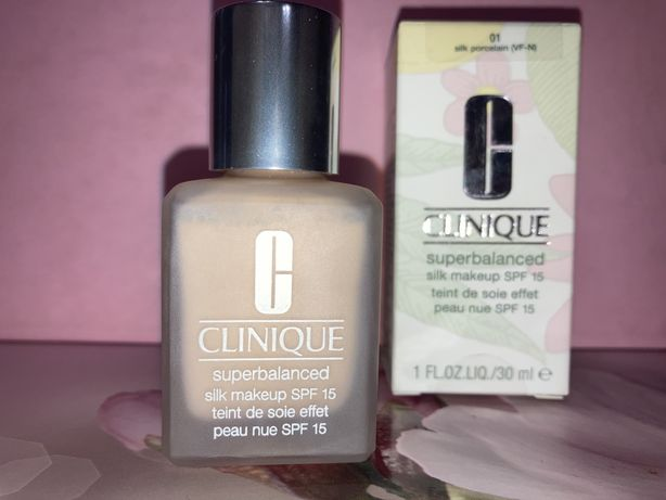 Тональный крем Clinique superbalanced silk 01