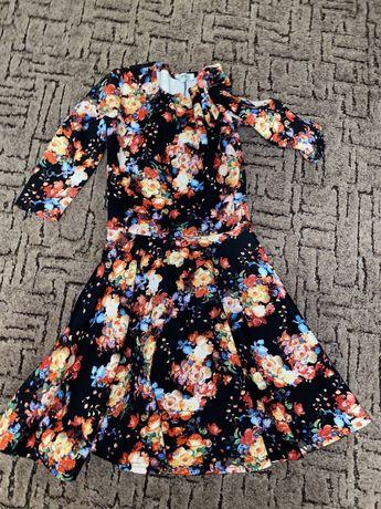 Платье в цаетах