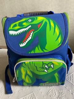 продам детский школьный рюкзак Kite