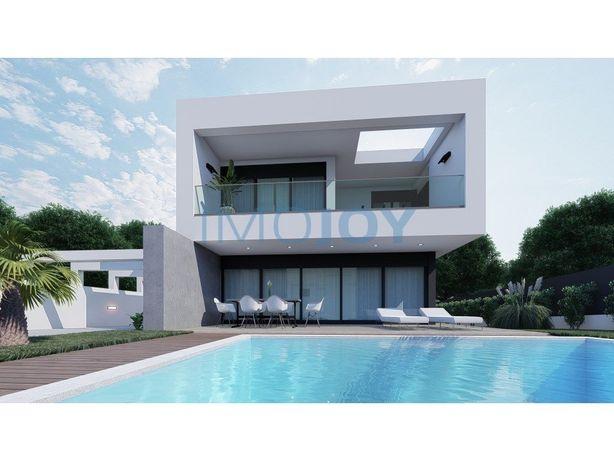 Excelente moradia T4 em construção, de arquitetura modern...