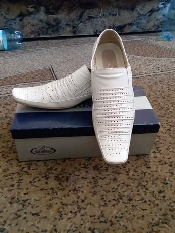 Чоловічі білі туфлі 41р.
