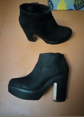 Ботинки ботильйоны на каблуке