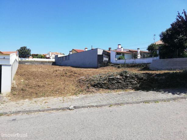 Cortegaça-Terreno Urbano 891m2 p/ Moradia Isolada