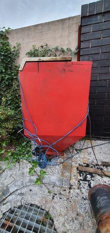 Uzywany Zasobnik na węgiel do kotła na ekogroszek. Kosz pojemnik
