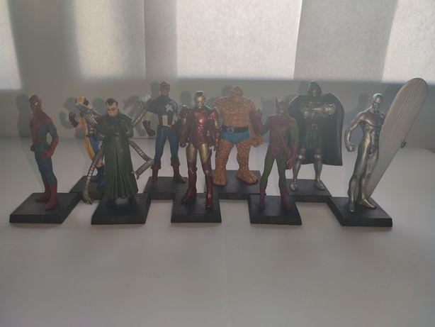 Figuras de chumbo da Marvel ainda com a sua respectiva revista oficial