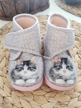 Kapcie kapciuszki buciki Neli Blu 24 kotki z kotkami kotek