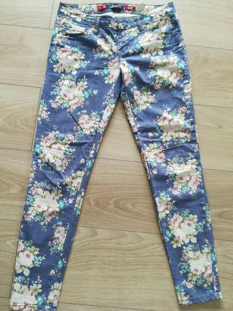Spodnie rurki w kwiaty 34 Hause