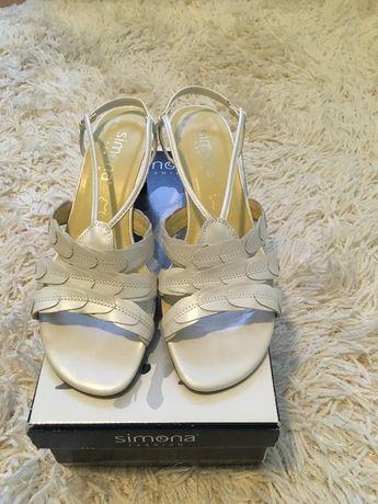 Sandały skóra biały perłowy rozm. 39 buty