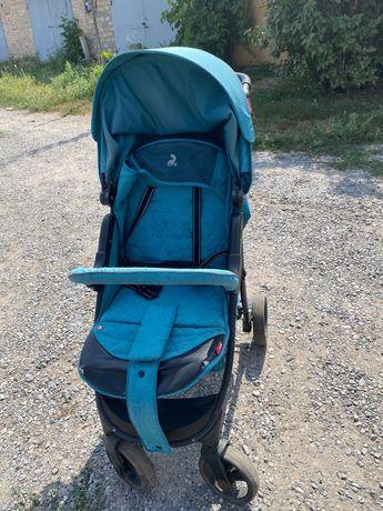 Продам недорого  летнюю детскую коляску Б/у