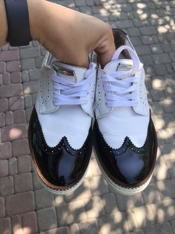 dsquared2 взуття