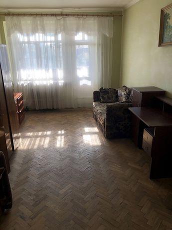 Квартира однокімнатна Львів вул. Героїв УПА 30  (продаж від власника)