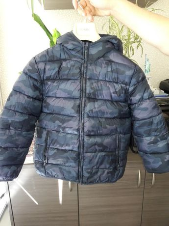 Продам курточку для мальчика размер 128см/8лет.