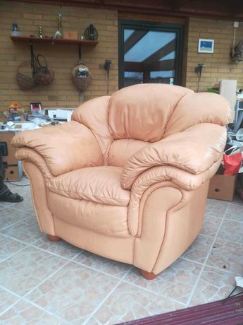 Fotel z skóry ekologicznej