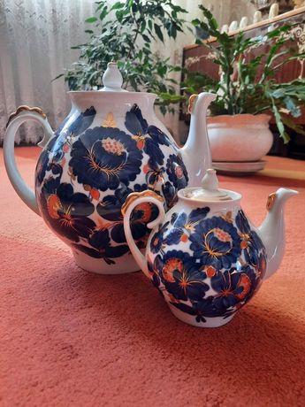 Набор фаянсовых чайников