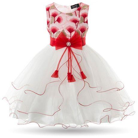 Нарядное платье с вышивкой
