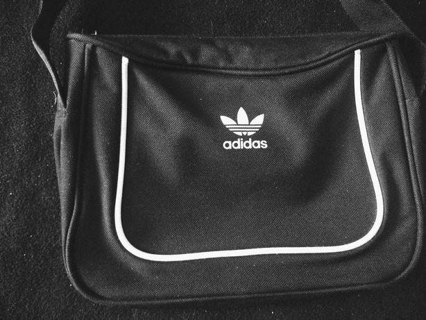Adidas mała czarna torebka
