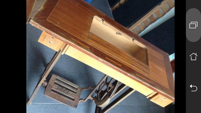 Mesa pedal de costura