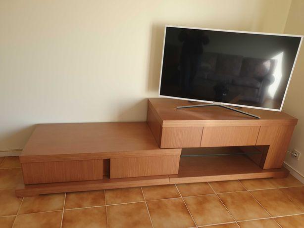 Móvel / estante para TV em cerejeira