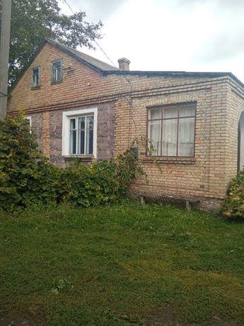 Продам будинок з надвірними спорудами