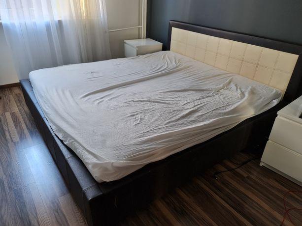 Łóżko z materacem tapicerowane