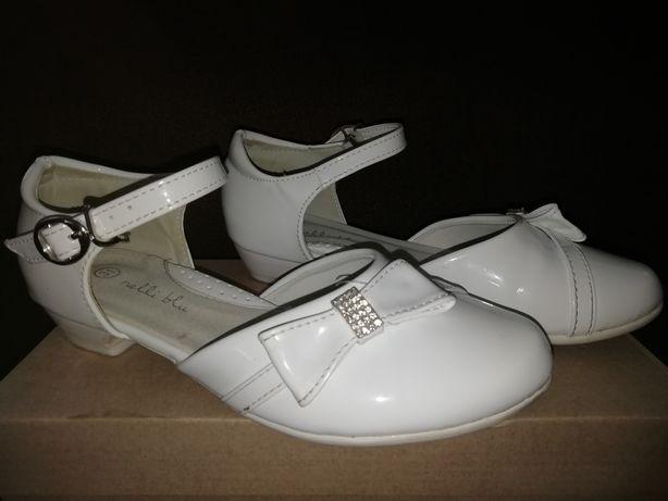 Białe buty lakierki komunijne 31