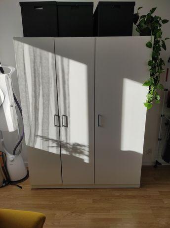Biała szafa IKEA