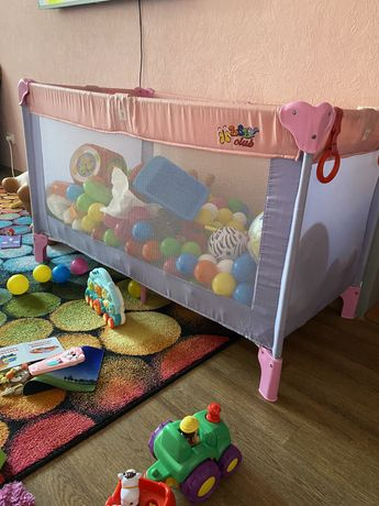 Продам детский манеж baby club