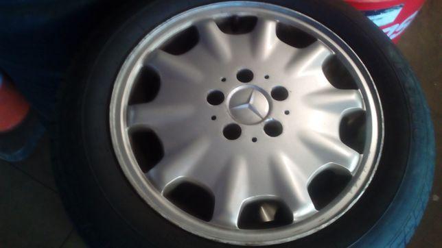Jantes Mercedes c pneus como novos