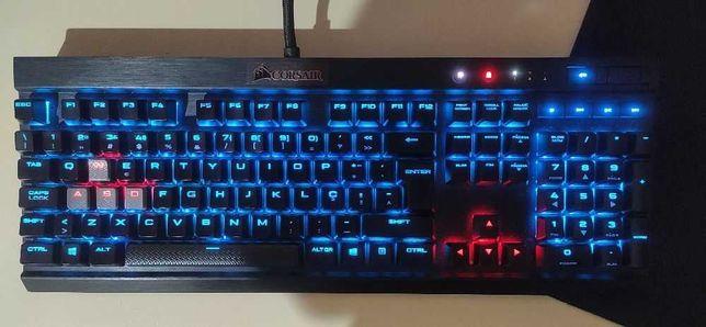 Teclado Corsair K70 LUX RGB (Layout PT) - Cherry MX Red