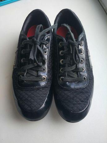 Кроссовки сменка лаковые 37 размер