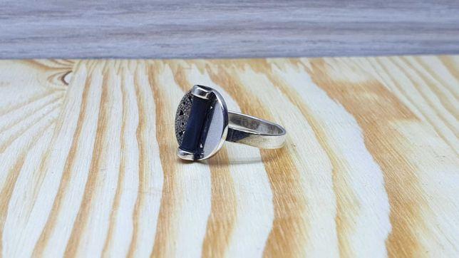 Pierścionek srebrny r17 p925 3,28g + Gratis!