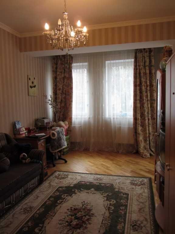 Оренда - 3-к.кв., вул. Некрасова, 144 кв.м., новобудова