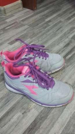 Продам кросовки Diadora