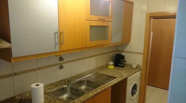 Apartamento t0 situado na rua da Saudade