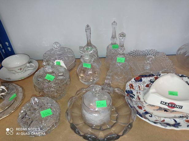 Kryształy ( puzderka, karafki, flakoniki)
