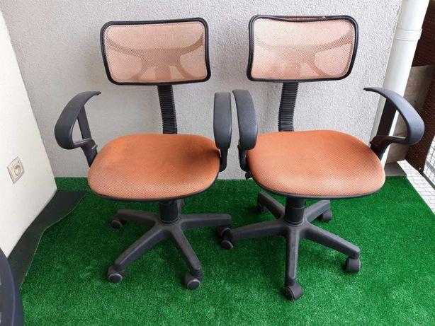 2 Fotele biurowe dziecięce, obrotowe, na kółkach