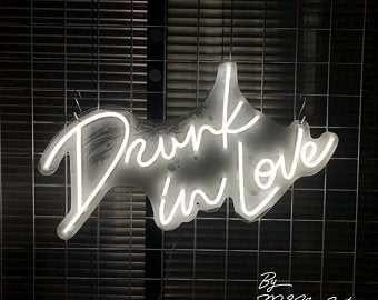 Neon napis led wesele Drunk in Love - do wynajęcia