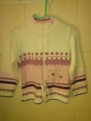 Sweterek dziewczęcy na 110cm.