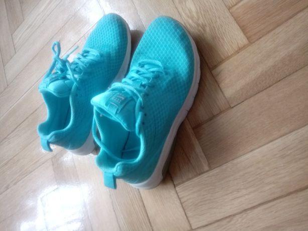Nike 36
